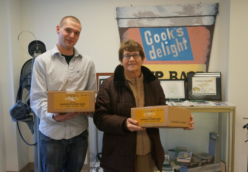 Drew Clark, Integrative Flavors QA Manager gives donation of Cook's Delight® Chicken Soup base to Westchester Friends Food Pantry